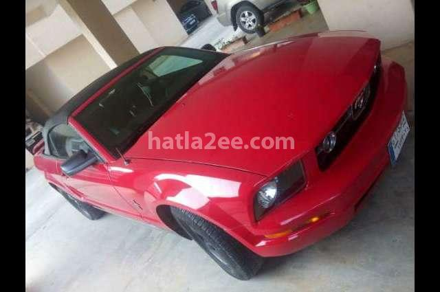 Mustang Ford احمر