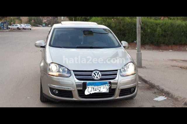 Jetta Volkswagen برونزي
