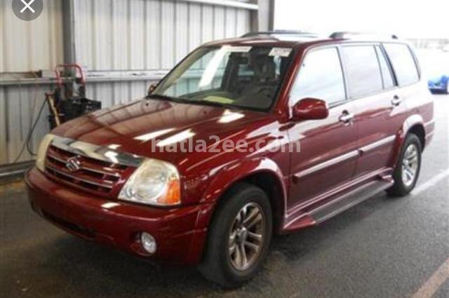 XL 7 Suzuki احمر غامق