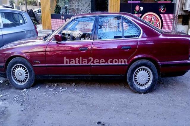 520 BMW احمر غامق