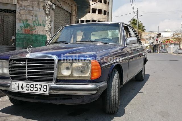 200 Mercedes أزرق
