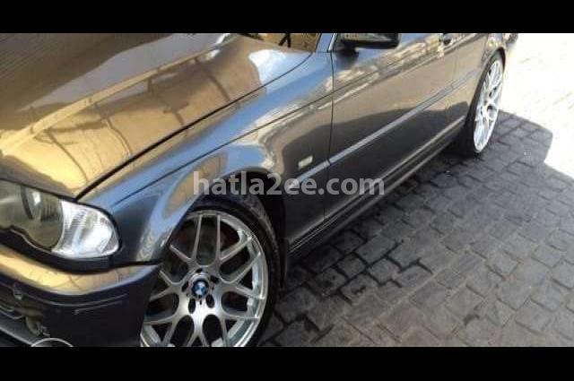 330 BMW أسود