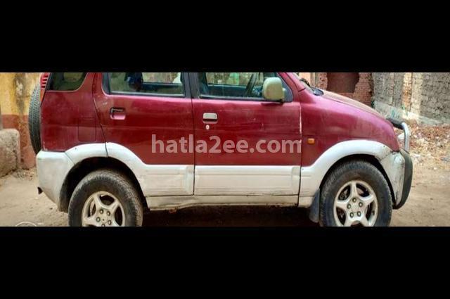 Terios Daihatsu احمر غامق