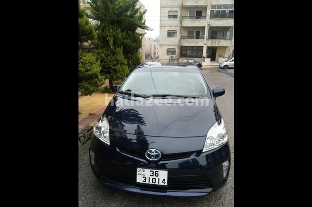 Prius Toyota الأزرق الداكن