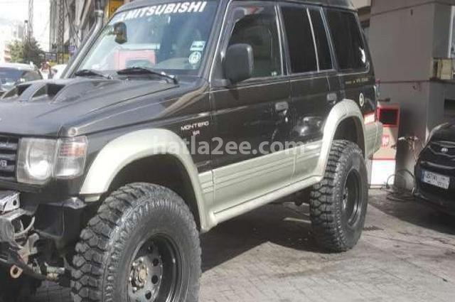 Montero Mitsubishi أسود