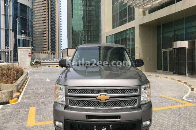 Silverado Chevrolet رمادي