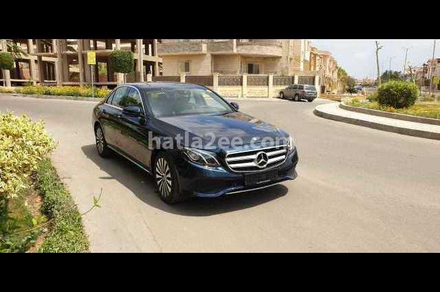 E 350 Mercedes أزرق