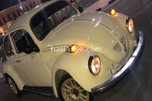 Beetle Volkswagen اصفر
