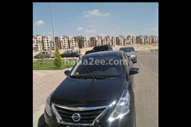 Sunny Nissan أسود