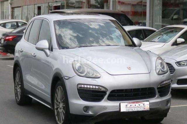 Cayenne Porsche فضي
