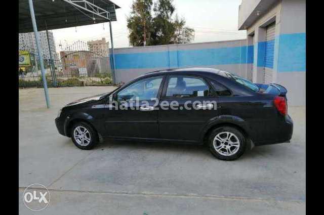 Optra Chevrolet أسود