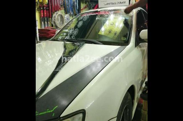 Legacy Subaru أبيض