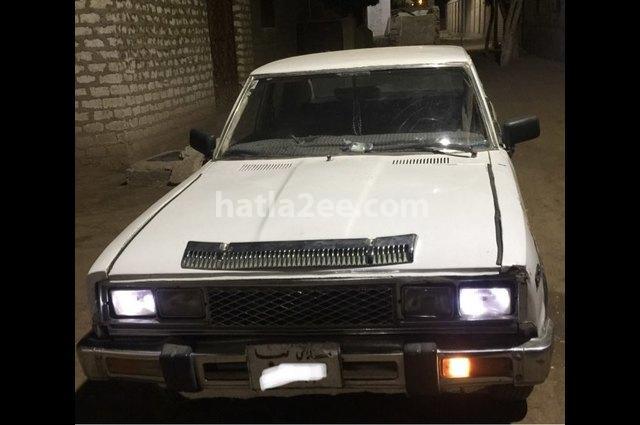 180B Datsun أبيض