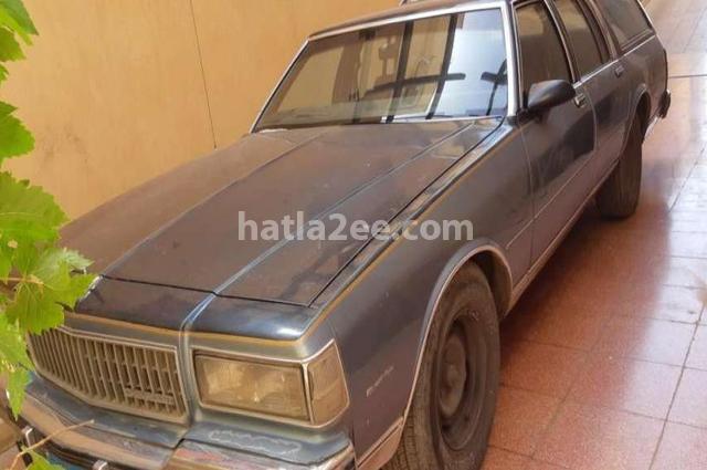 Caprice Chevrolet رمادي