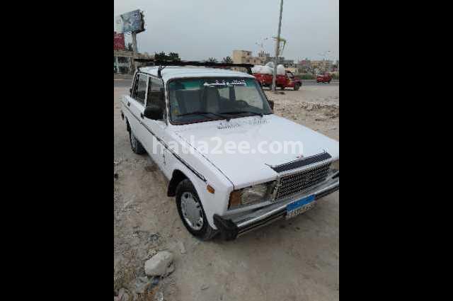 2107 Lada أبيض