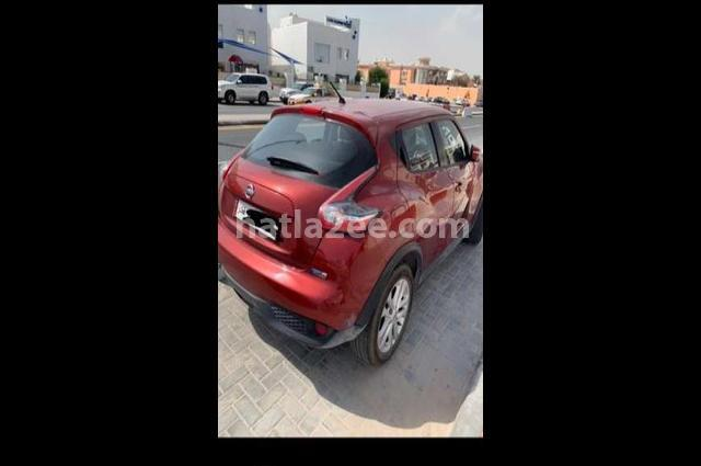 Juke Nissan Dark red