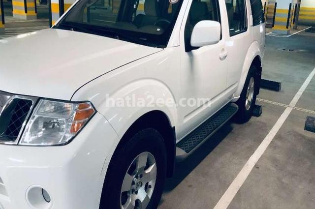 Pathfinder Nissan أبيض