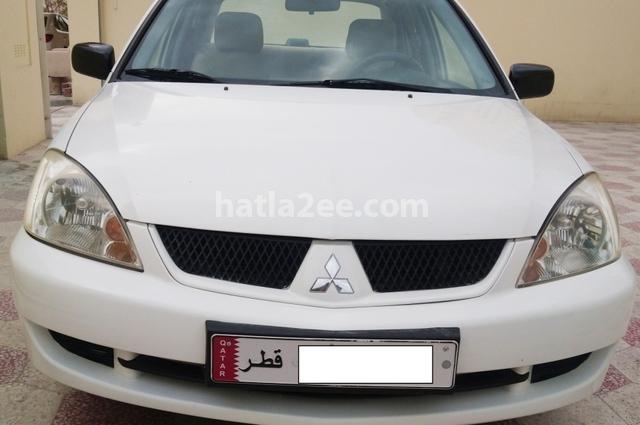 Lancer Mitsubishi أبيض