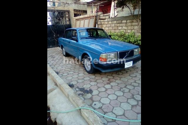 240 Volvo أزرق