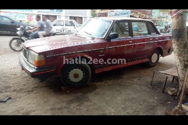 244 Volvo احمر