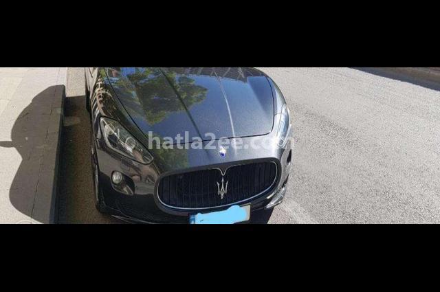GranCabrio Maserati أسود