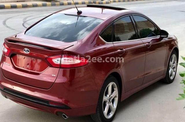 Fusion Ford احمر غامق