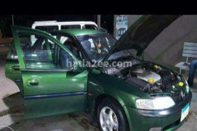 Vectra Opel Dark green