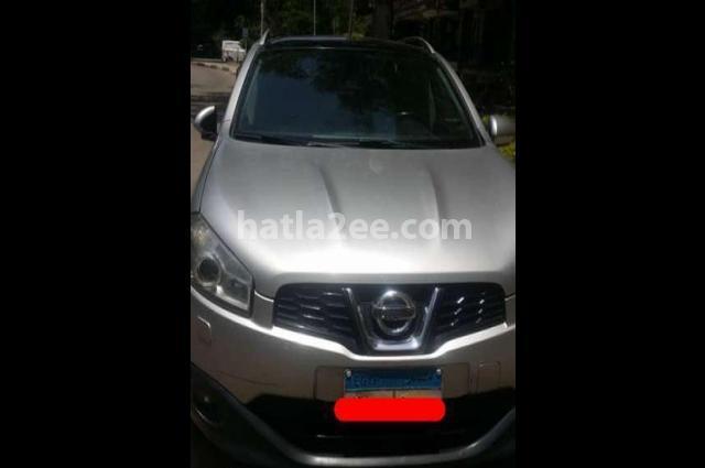 Qashqai Nissan فضي
