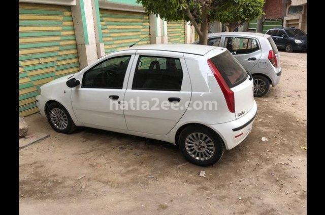 Punto Fiat أبيض