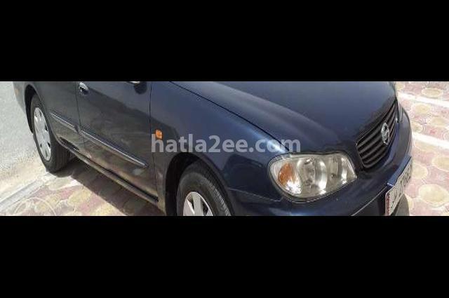 Maxima Nissan أسود
