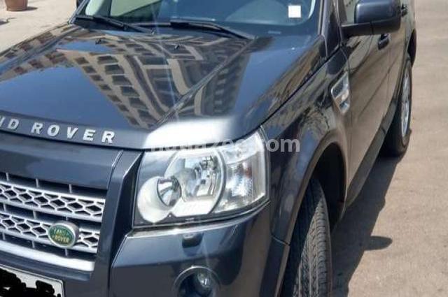 Lr2 Land Rover رمادي