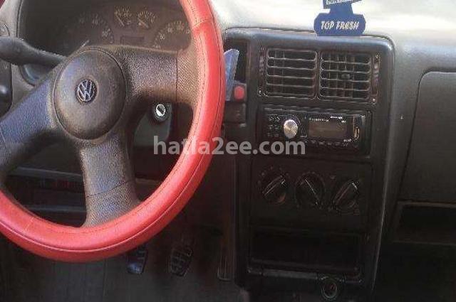 Polo Volkswagen احمر