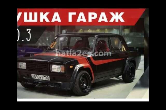 2017 Lada أسود