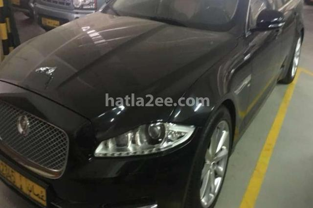 XJ6 Jaguar أسود