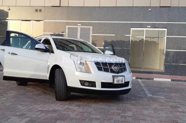 SRX Cadillac أبيض