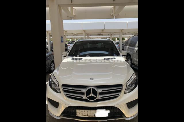 GLE Mercedes White