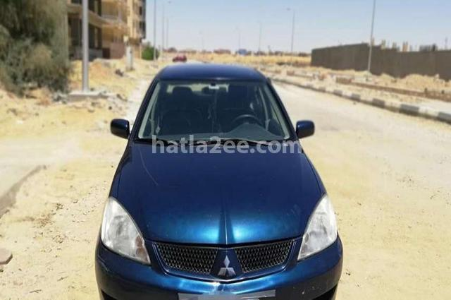 Lancer Mitsubishi أزرق