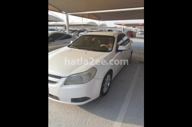 Epica Chevrolet أبيض