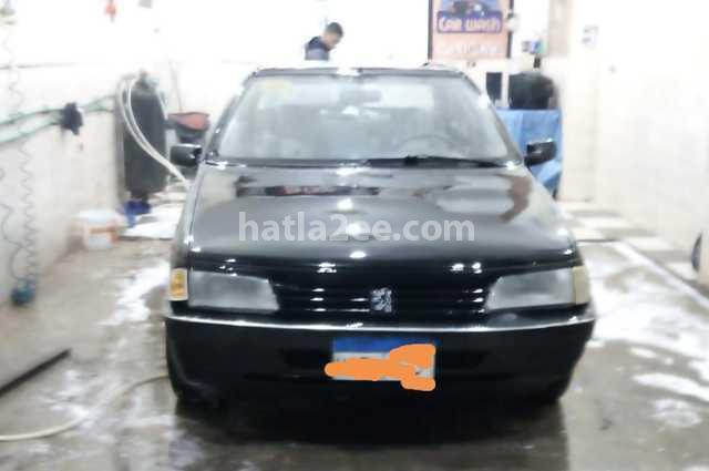 405 Peugeot أسود