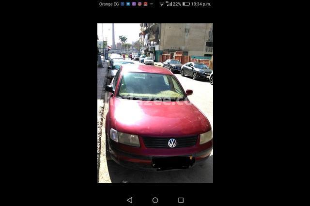 Passat Volkswagen احمر غامق