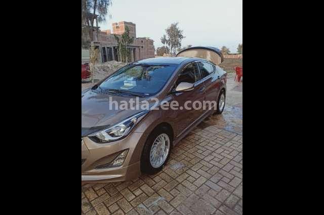 Elantra MD Hyundai برونزي