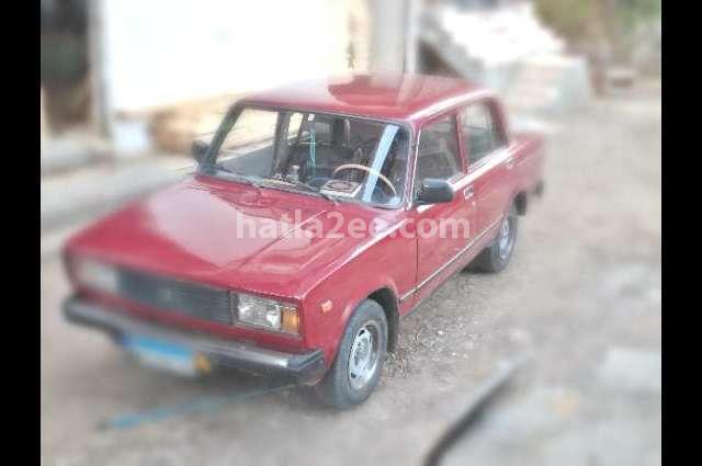 2105 Lada احمر
