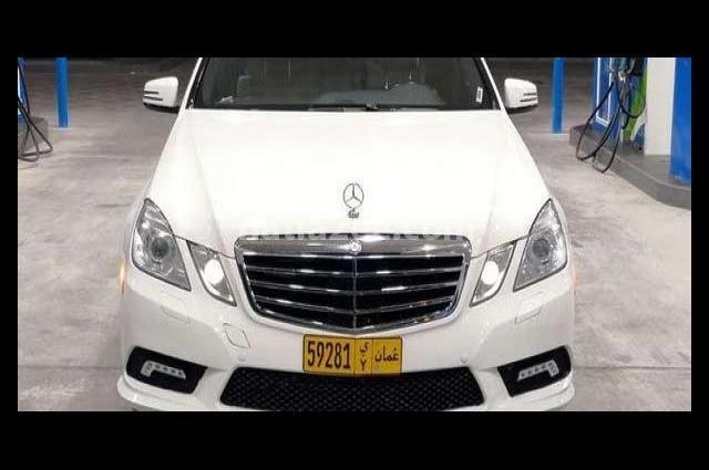 E 550 Mercedes أبيض