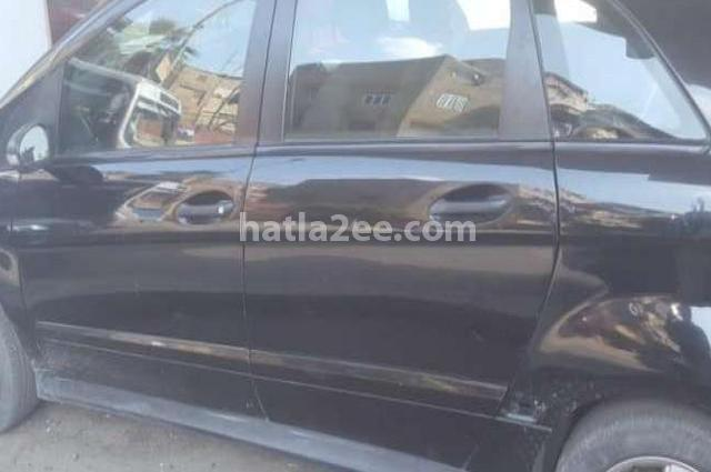 B 150 Mercedes أسود