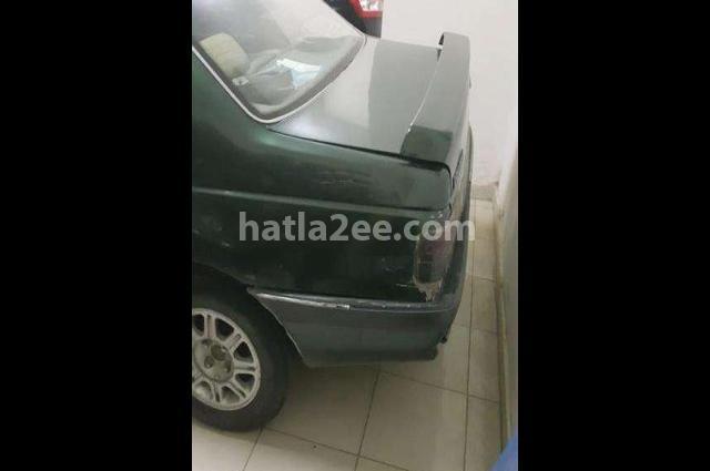 405 Peugeot Dark green