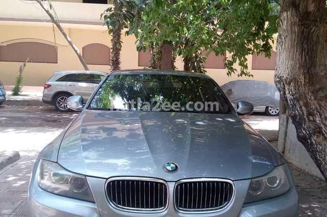 330 BMW فضي
