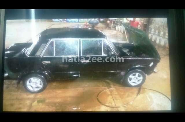 125 Fiat أسود
