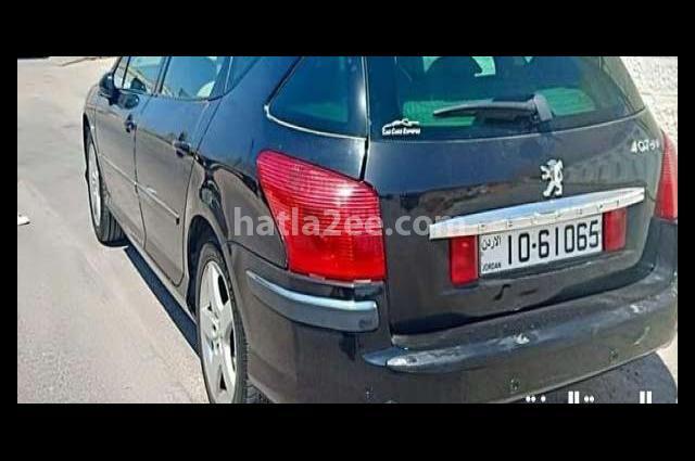 407 Peugeot أسود