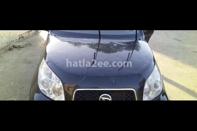 Grand terios Daihatsu أسود