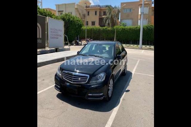 C 250 Mercedes أسود